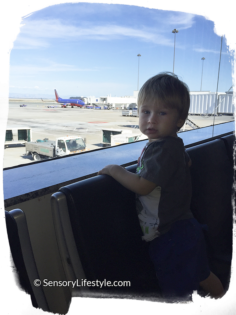 Toddler Resources : Traveling with your Toddler: 20 Activity Tips when flying