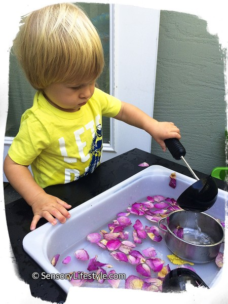 18 month old toddler activities: Flower bath