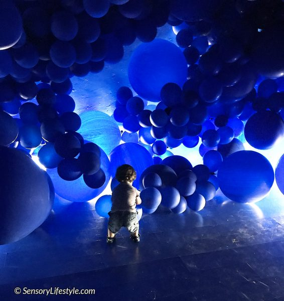 Color Factory: Blue room