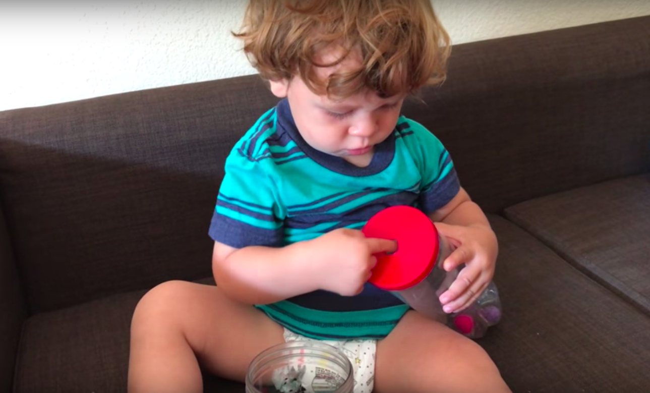 Baby Videos : Sensory Play - Pom Pom Wriggle Activity