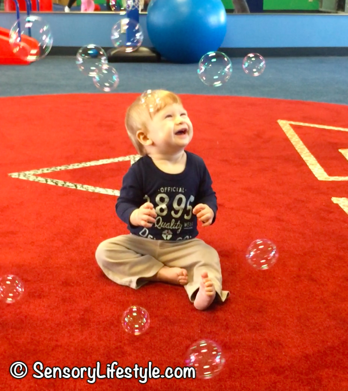 Indoor activities for babies: bubbles